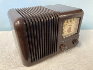 1943 Travler Model 5002 Tube Radio With Bluetooth & FM Options