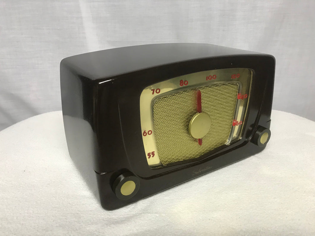 Silvertone 5 Tube Radio With Bluetooth input.