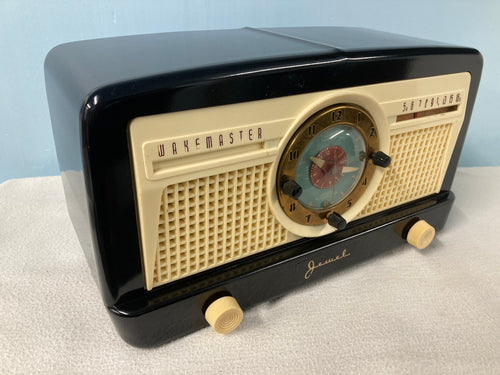 "1950 Jewel 5057 ""Wakemaster"" Clock Radio"