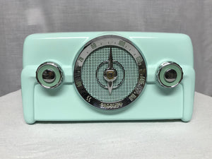 "1950 Crosley 10-139 ""Dashboard"" Tube Radio With Bluetooth input."