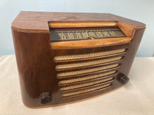 Vintage Viking EMU51-418 Tube Radio With Bluetooth input.
