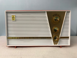 "Fleetwood ""Coronado Custom 5"" retro tube radio with iphone or bluetooth Input"