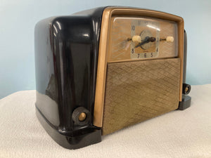 Nice Silvertone 8010 Tube Radio With Bluetooth & FM Options