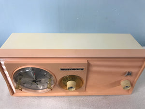 Motorola 5C14PW Tube Radio With Bluetooth input.