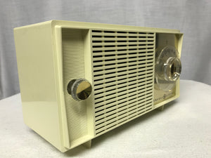 General Electric vintage retro tube radio with iphone or bluetooth Input.
