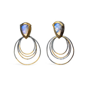 AUSTIN TITUS - Ripple Rim Earrings