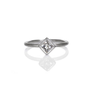 EC DESIGN - Princess Cut Solitaire Ring