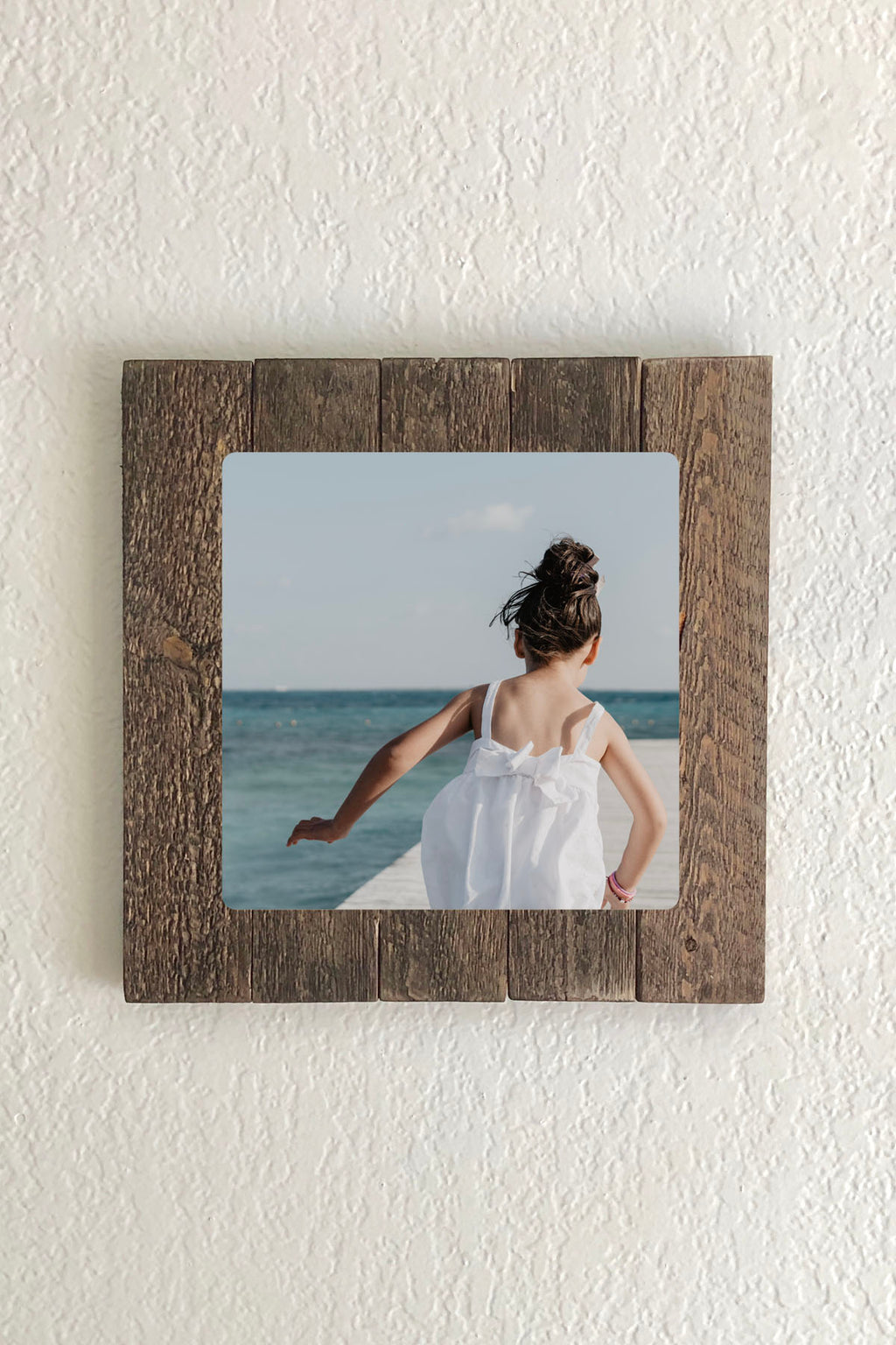 "Endless Frame with 12"" x 12"" Custom Print-square format"