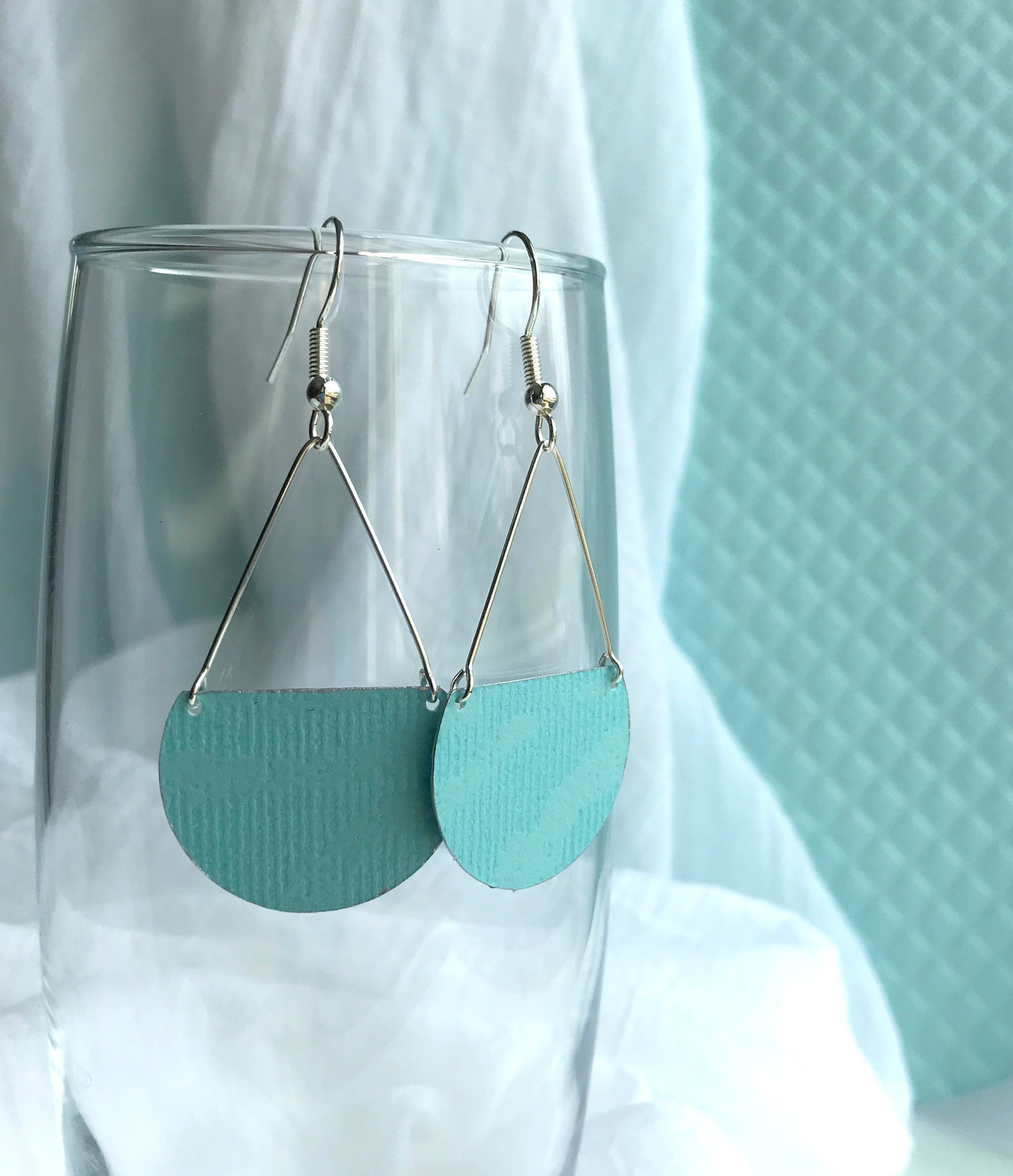 Gracie Nicole Handmade Jewelry. Flirty lightweight Aqua Semicircle Earrings