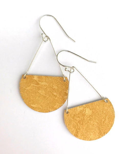 Gracie Nicole Flirty Lightweight Golden Wallpaper Semicircle Earrings