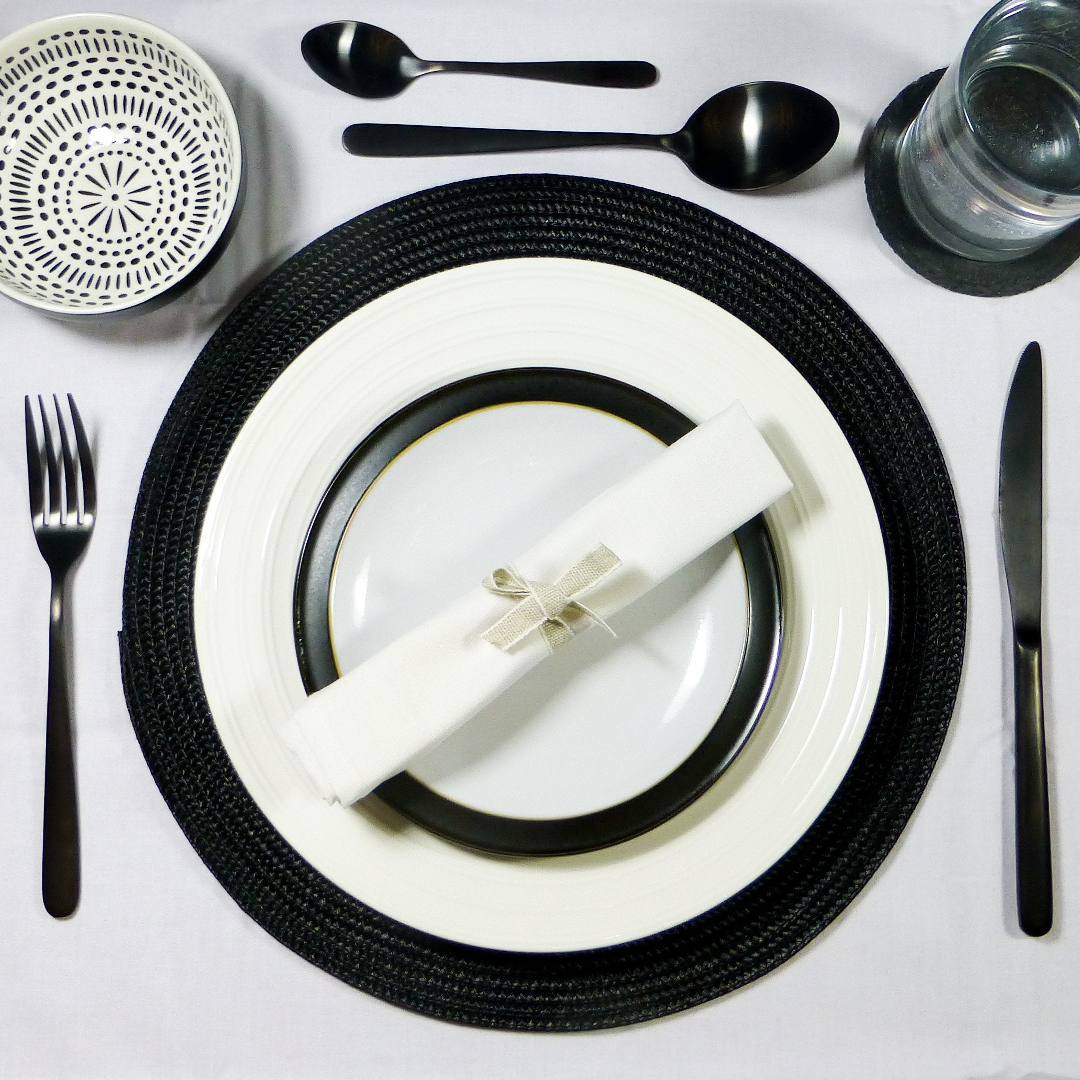 Monochrome Table Setting Ideas