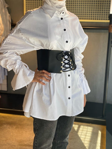 White shirt w/ Leather corset belt قمصان