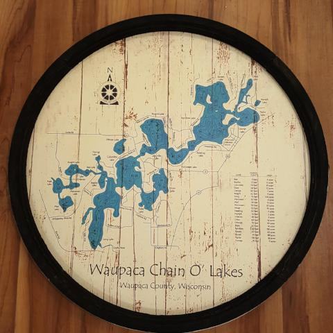 "Vintage Sign - Round ""Waupaca - Chain O'Lakes"""