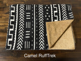 NORTH (Dark) -  Pet Sleeper Blanket