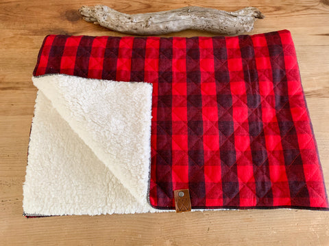 Tahoe - Pet Sleeper Blanket (RED)