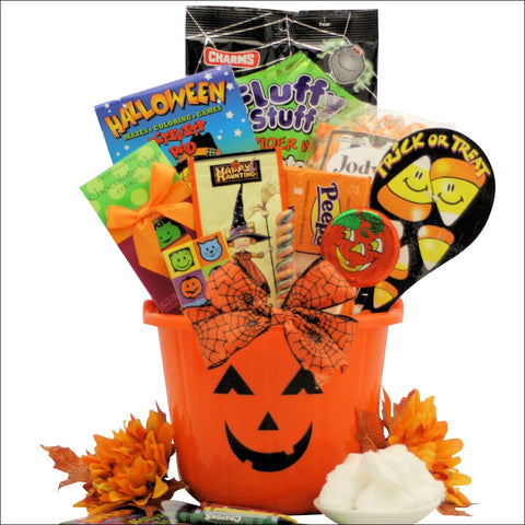 SPOOKY SWEETS & TREATS: HALLOWEEN GIFT BASKET FOR KIDS - AGES 3 TO 8