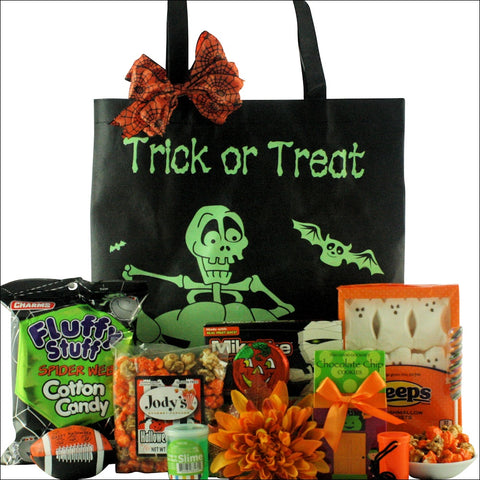 SCARY & SPOOKY FUN: HALLOWEEN GIFT BASKET - TWEEN BOY AGES 9 TO 12