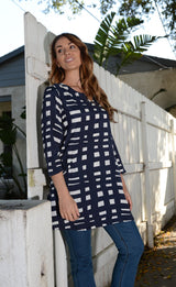 Komil Tunic Pavement Crushed Viscose in Navy