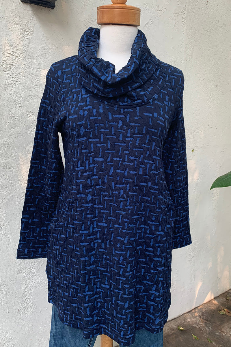 Komil Cross River Turtle Neck Top-Blue
