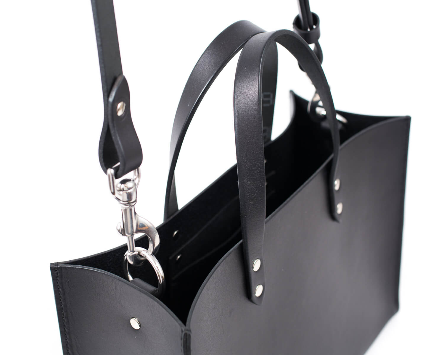 8fb74a12bebf ... Black English Bridle Leather Tote with Top Handle and Adjustable Strap  Detail ...