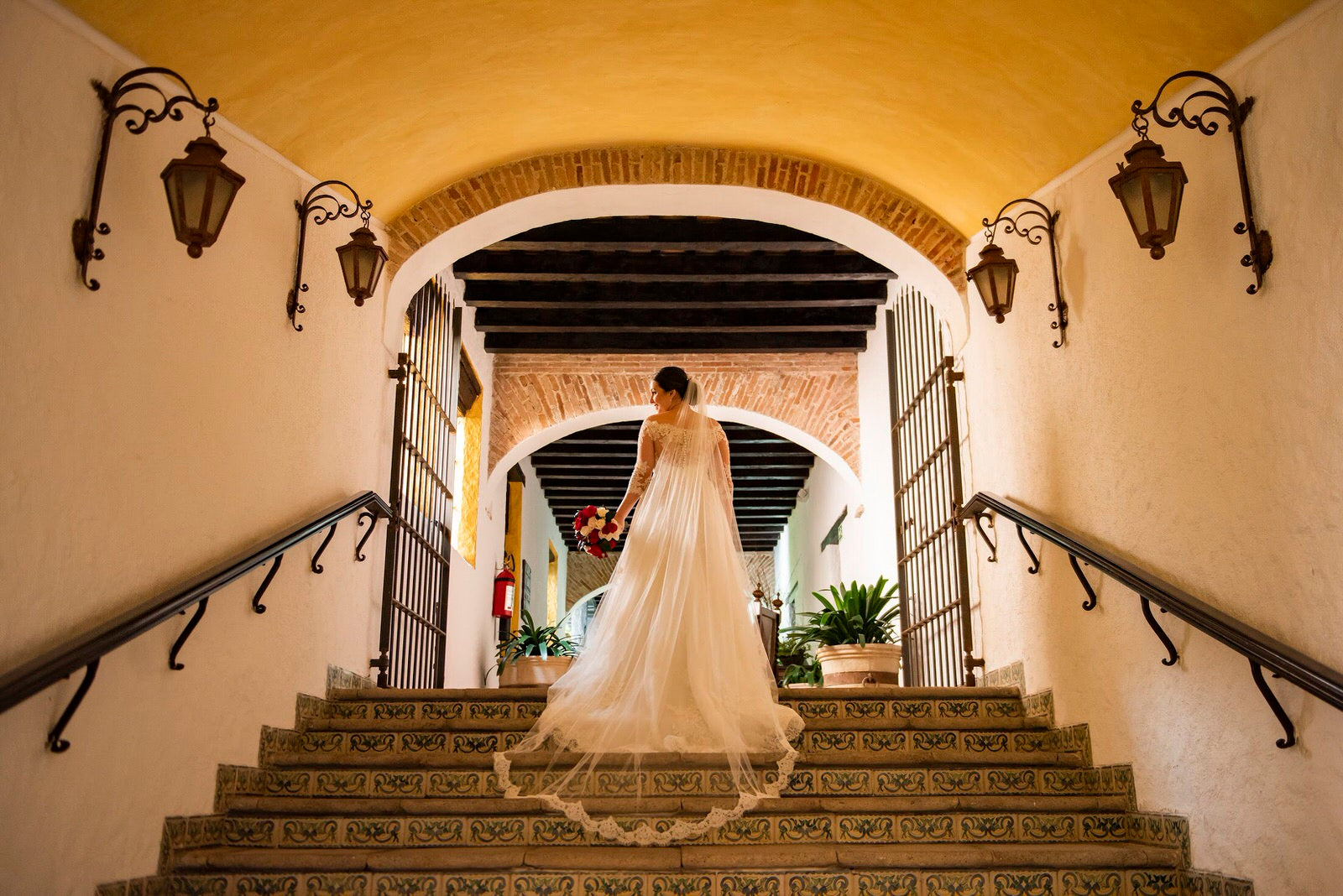 spanish style wedding with bride in one layer lace veil