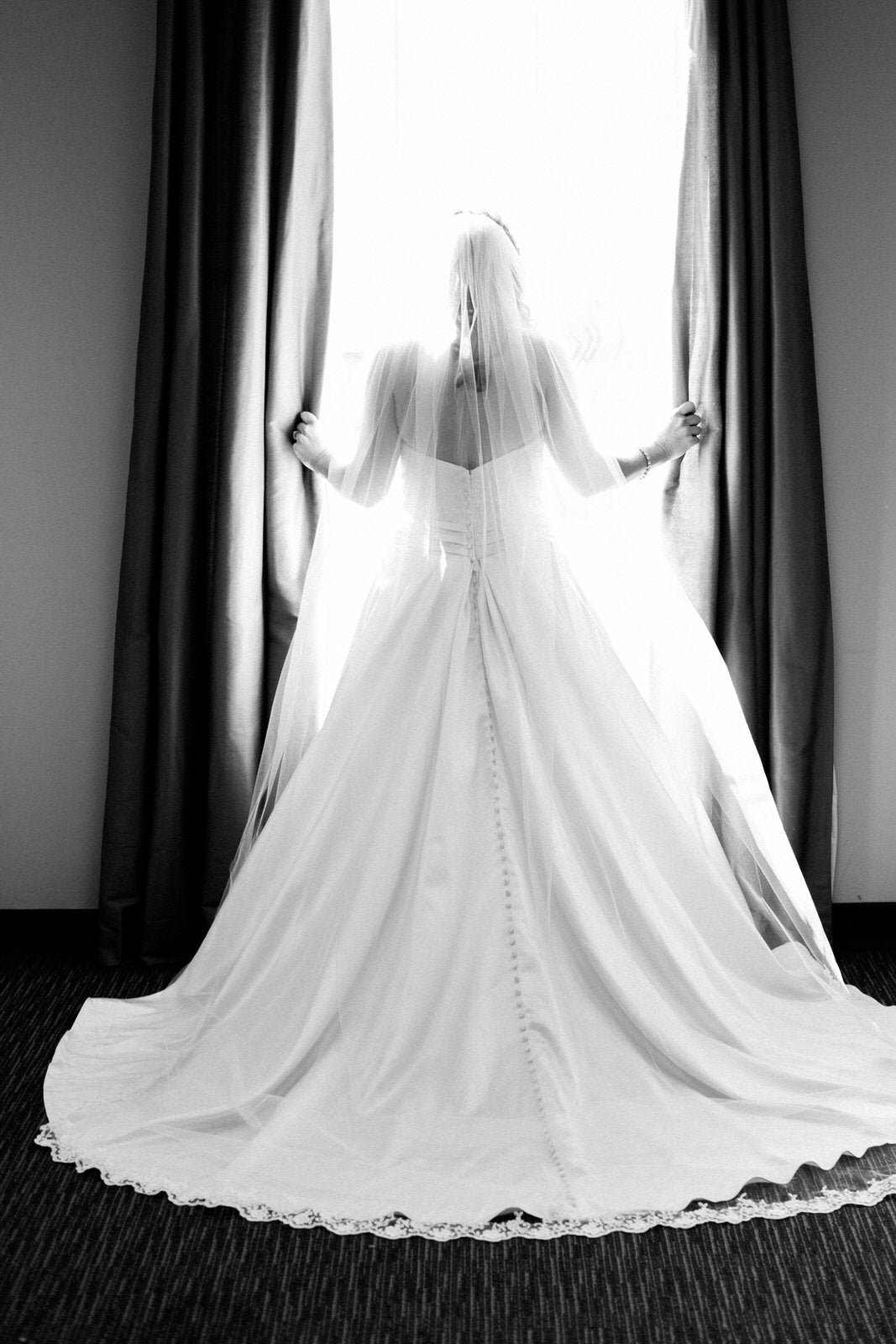 timeless bride in long scalloped lace chapel veil