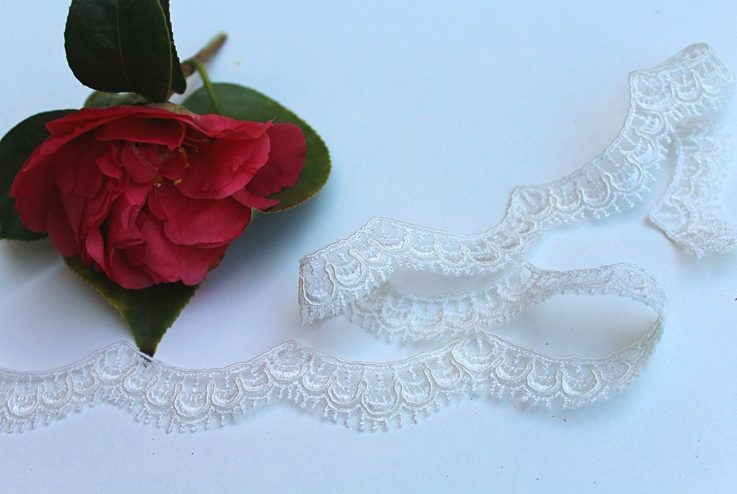thin scallop lace with eyelash edge
