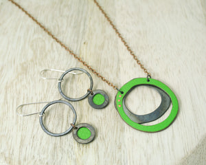 Eternal necklace - small green