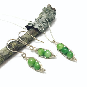 Pea pod necklace peas in a pod with green mother of pearl