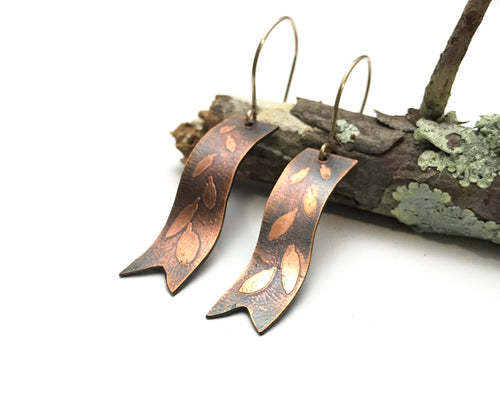 Copper leaves ribbon earrings