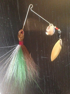 Bucktail Spinnerbait / Brown, Green and White