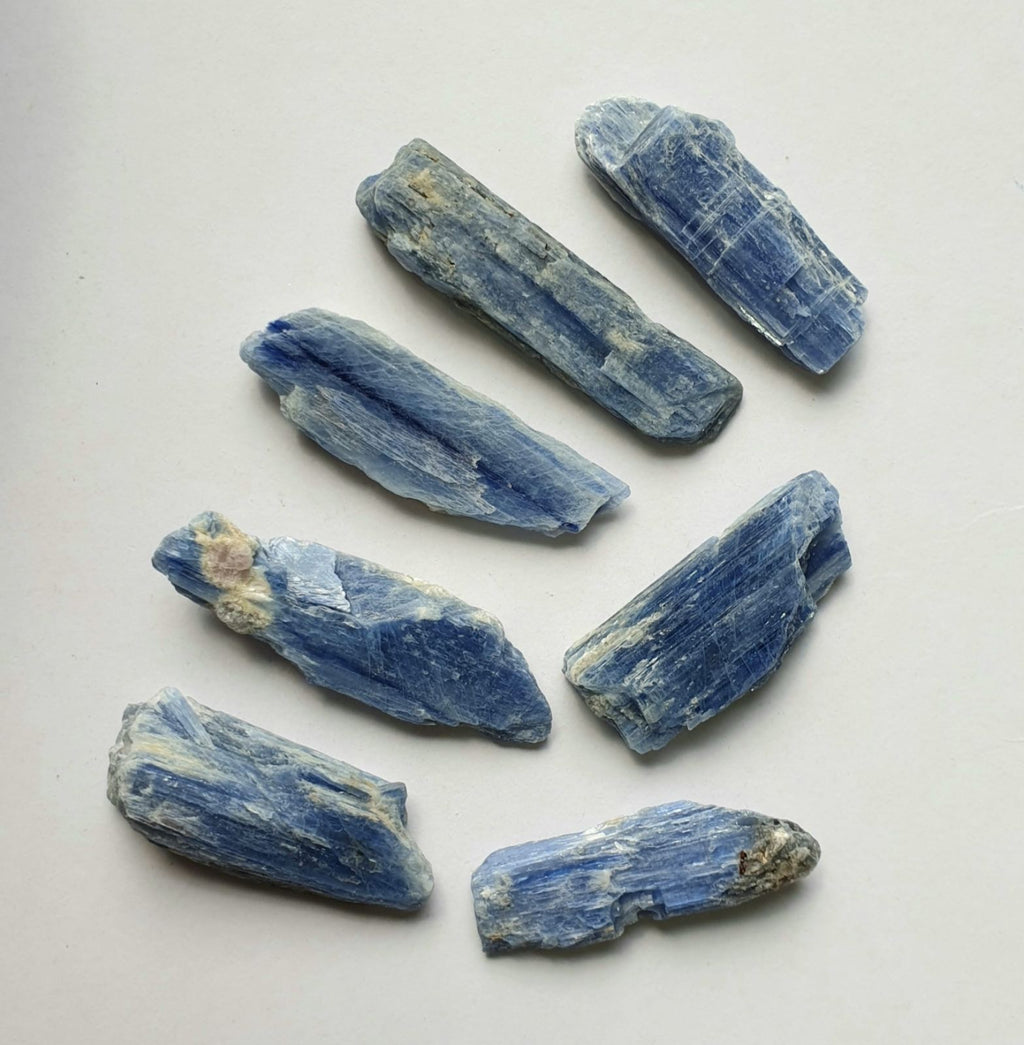 Kyanite raw (medium)