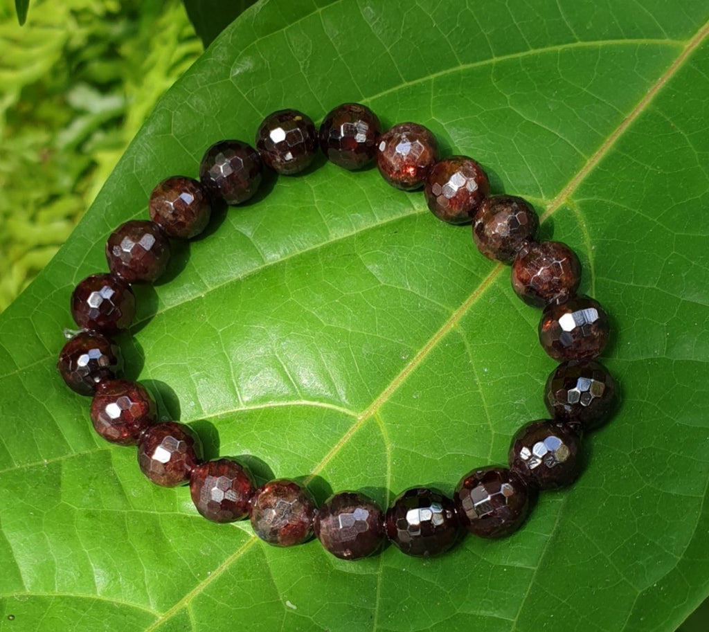 Garnet bracelets (faceted, 9mm)