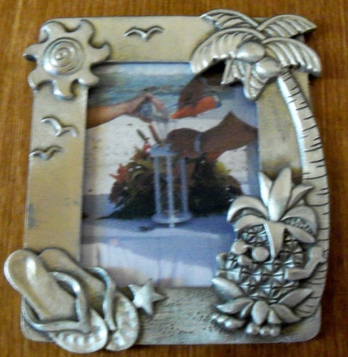 Heirloom Hourglass custom charms Heirloom Hourglass Custom Charm Closure -  Beach Picture Frame