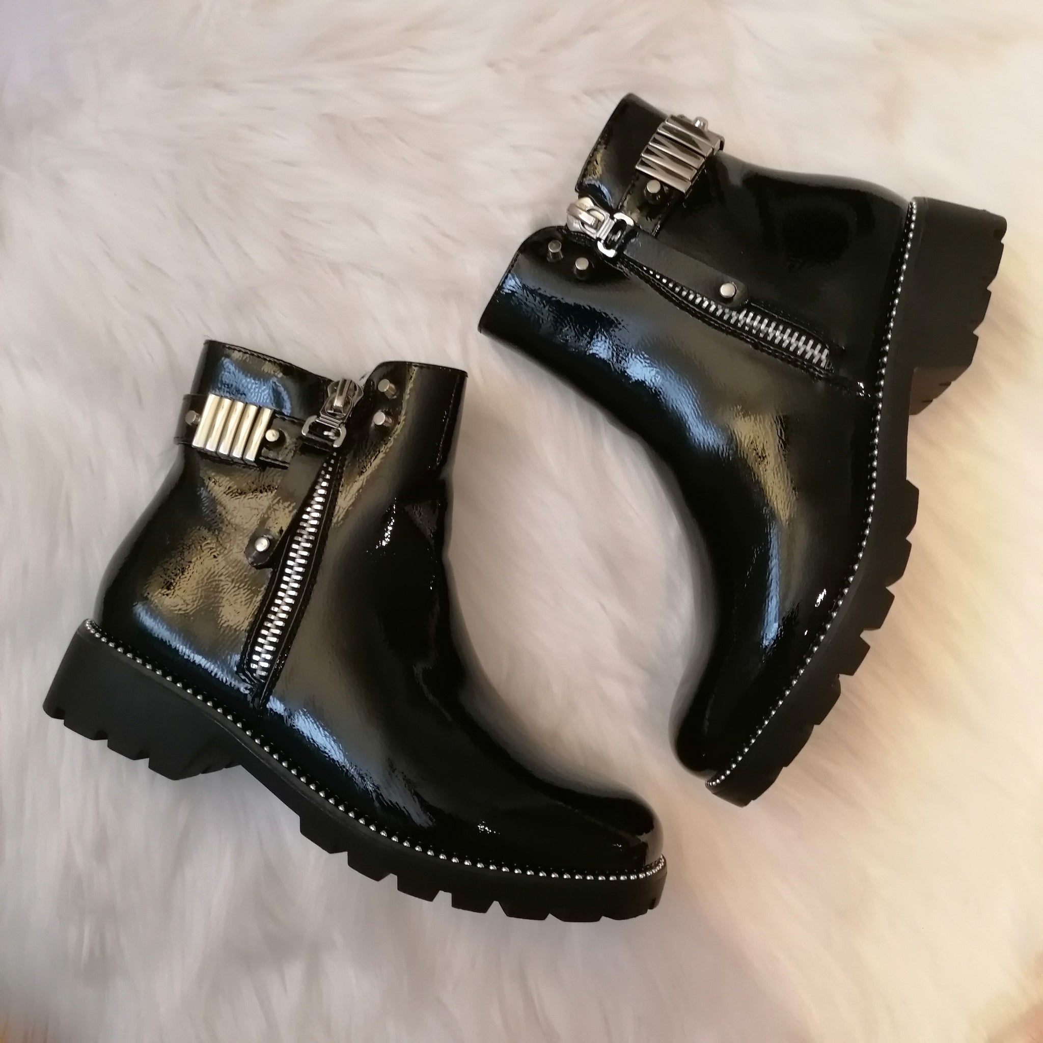Brooke Fur Lined Ankle Boots (SIZE 3,5)