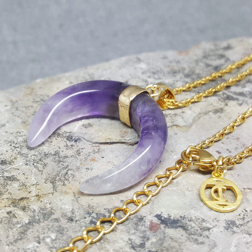 CRESCENT MOON NECKLACE NATURAL STONE