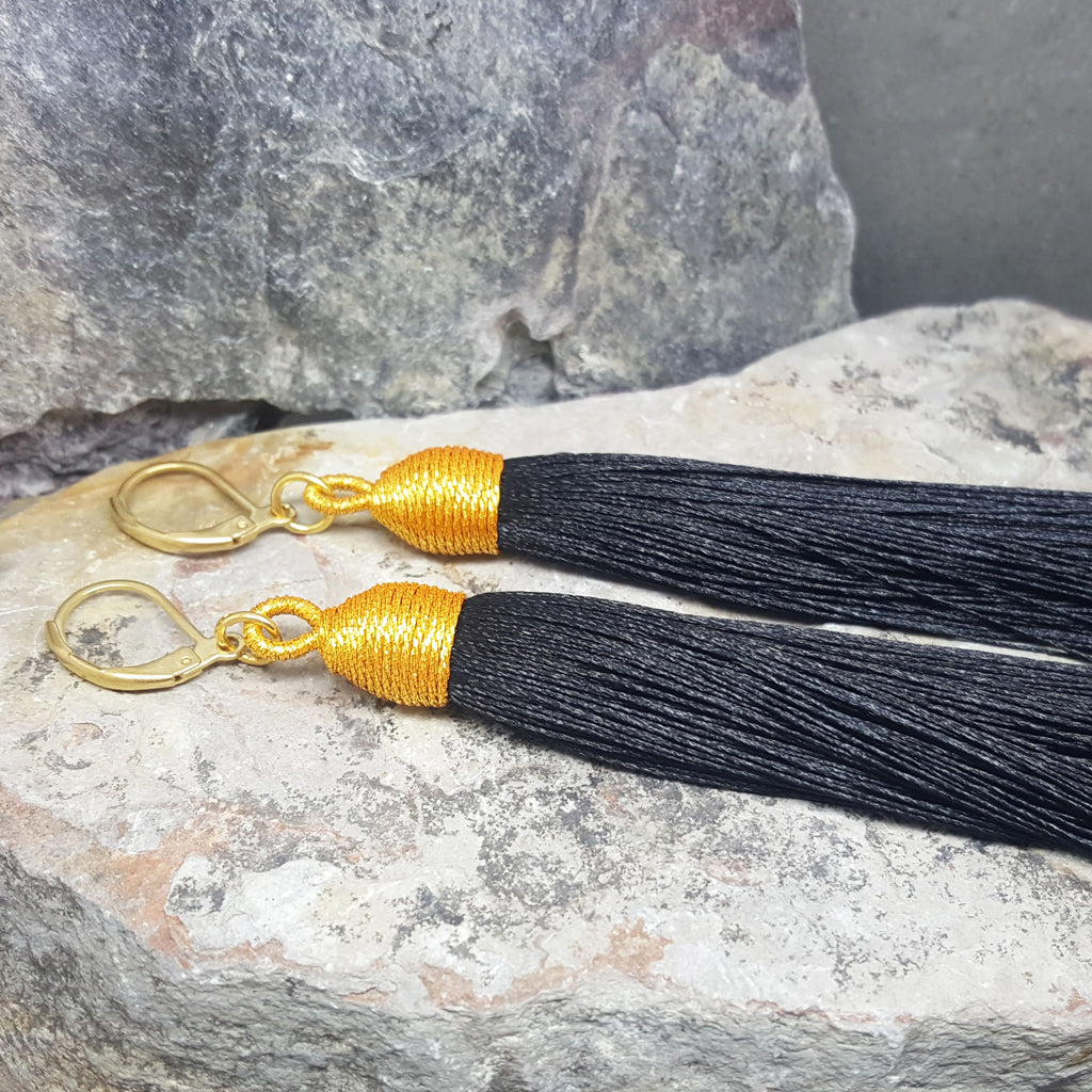BEA BLACK TASSEL EARRINGS