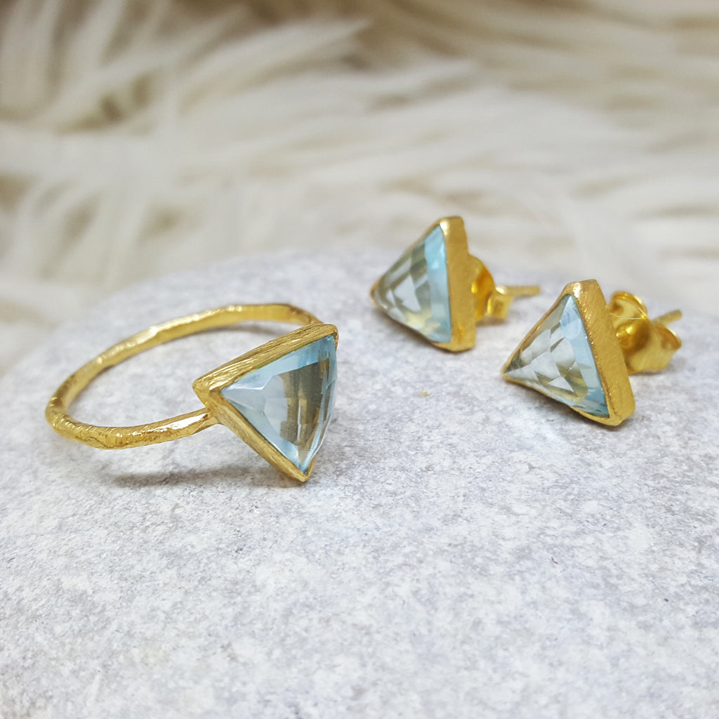 JEWELLERY SET .ARROW BLUE TOPAZE CZ GOLD RING PLUS STUD EARRINGS