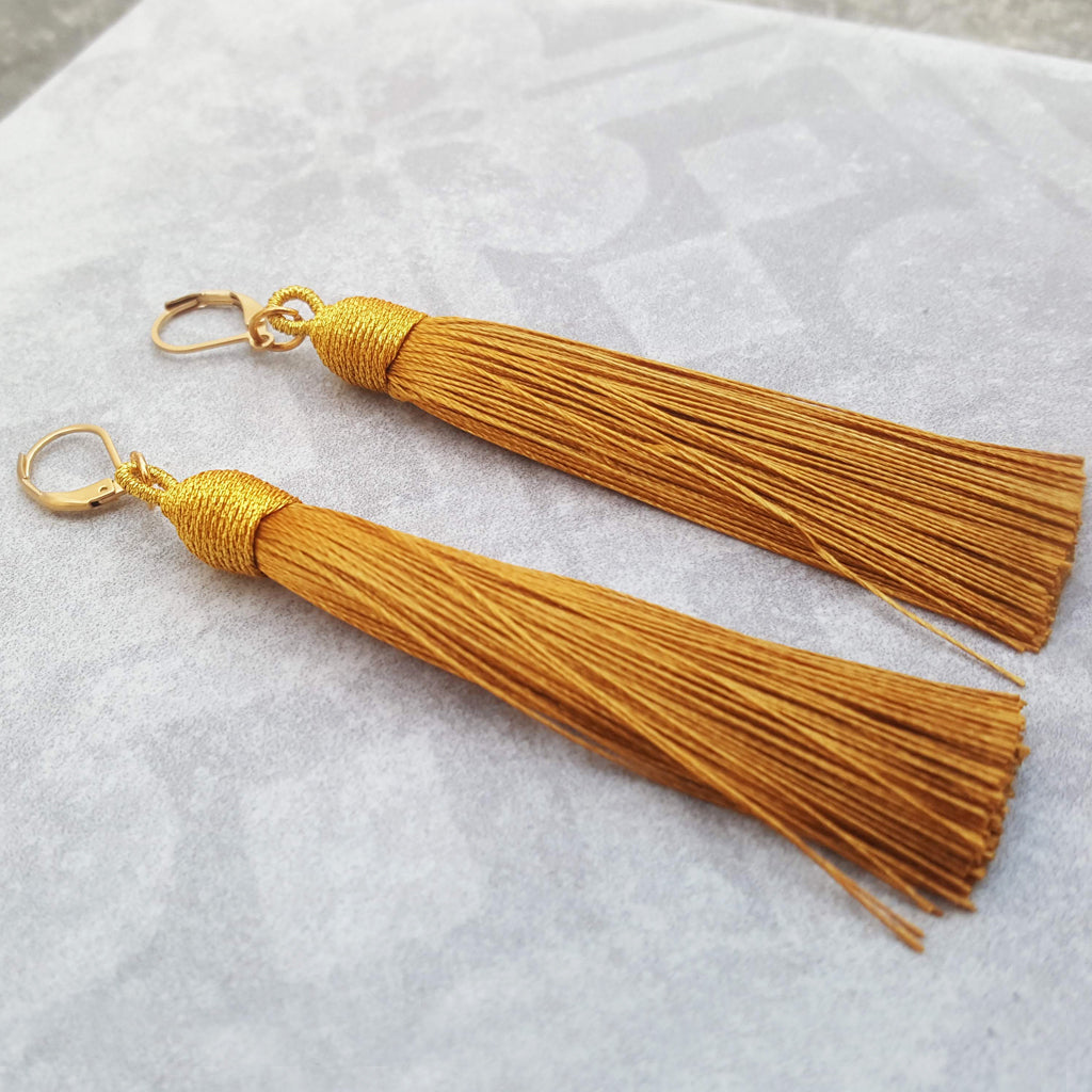 BEA ELECTRIC GOLD TASSEL EARRINGS