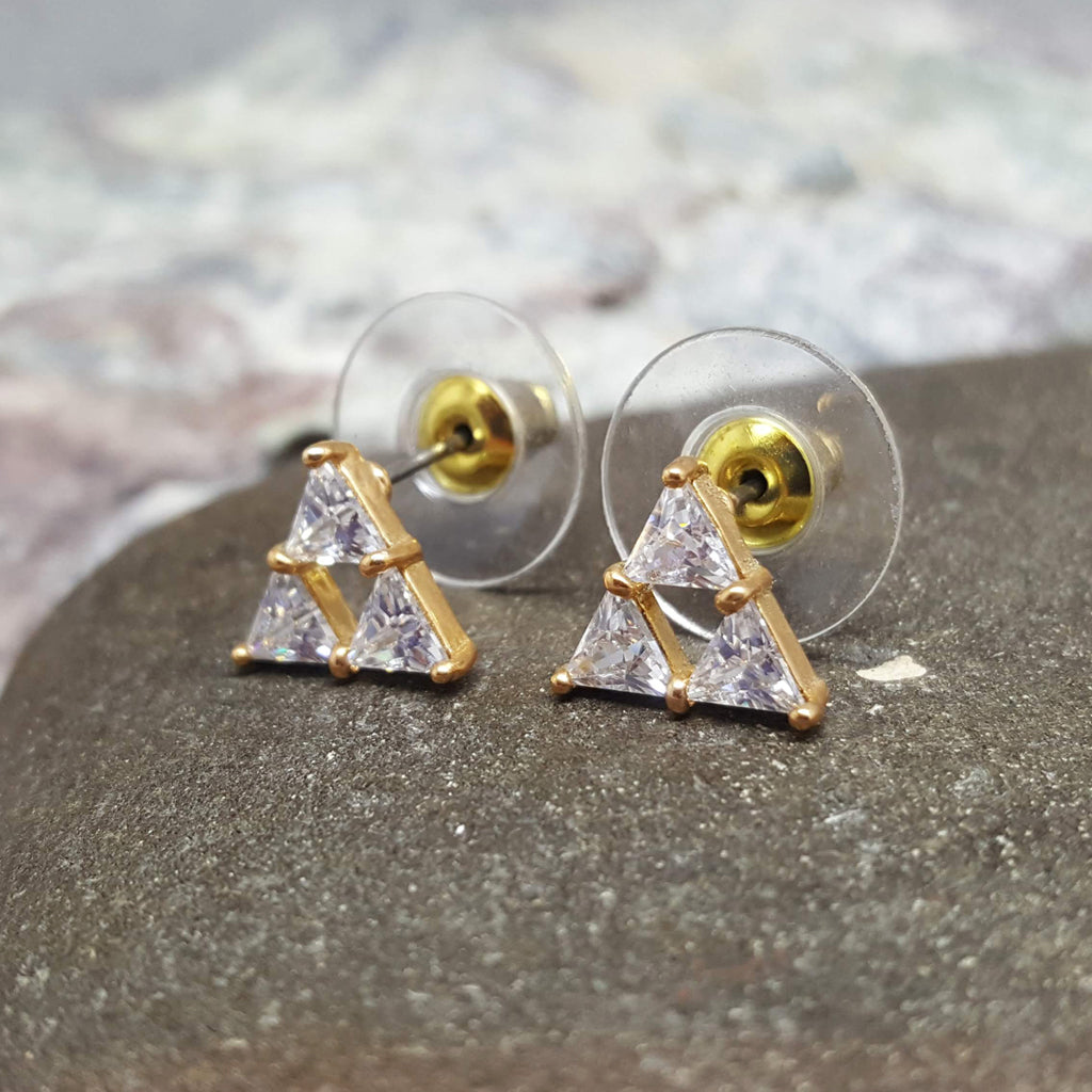 TRIANGLE GOLD STUD EARRINGS