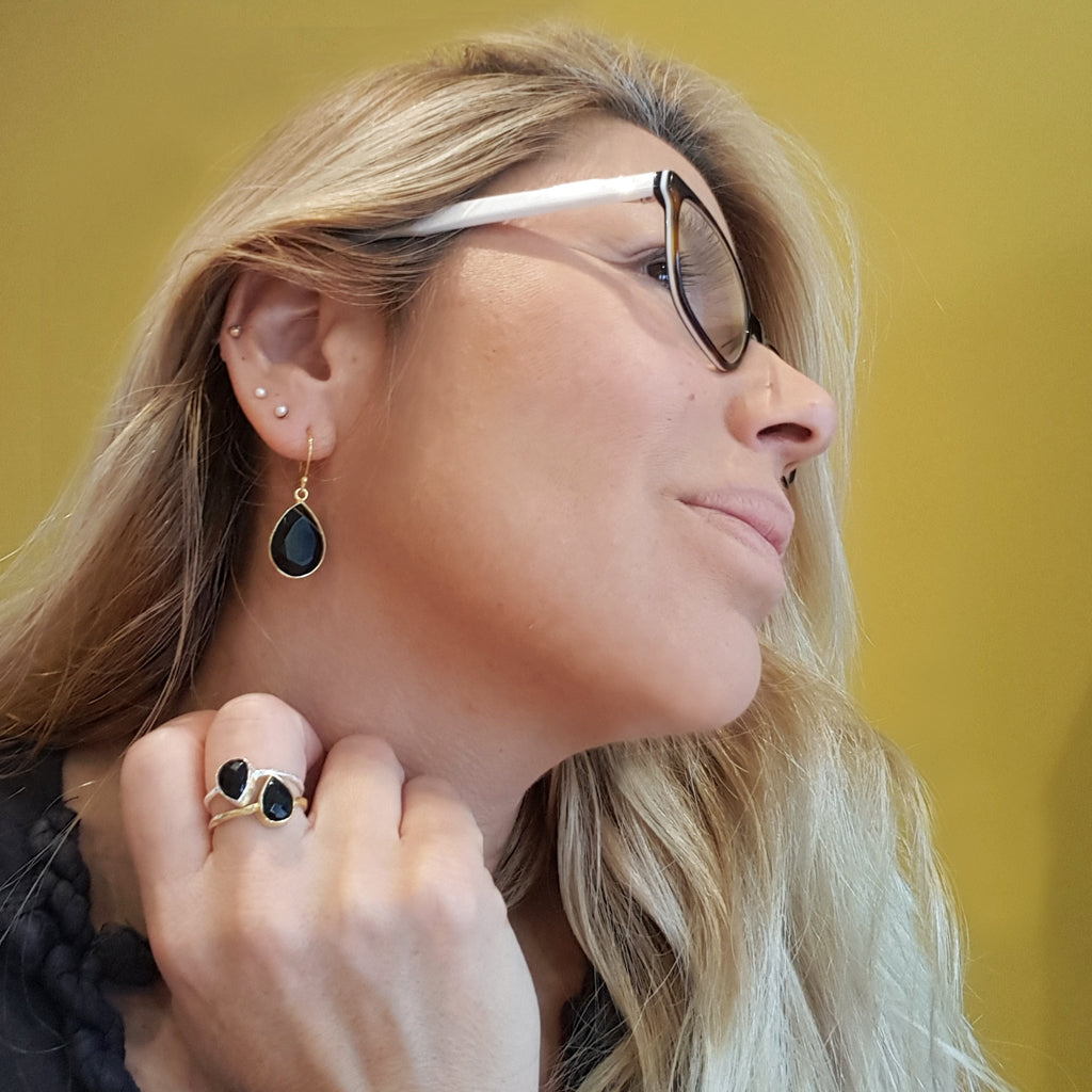 GOTA DE ORO BLACK ONYX SILVER HOOK EARRINGS