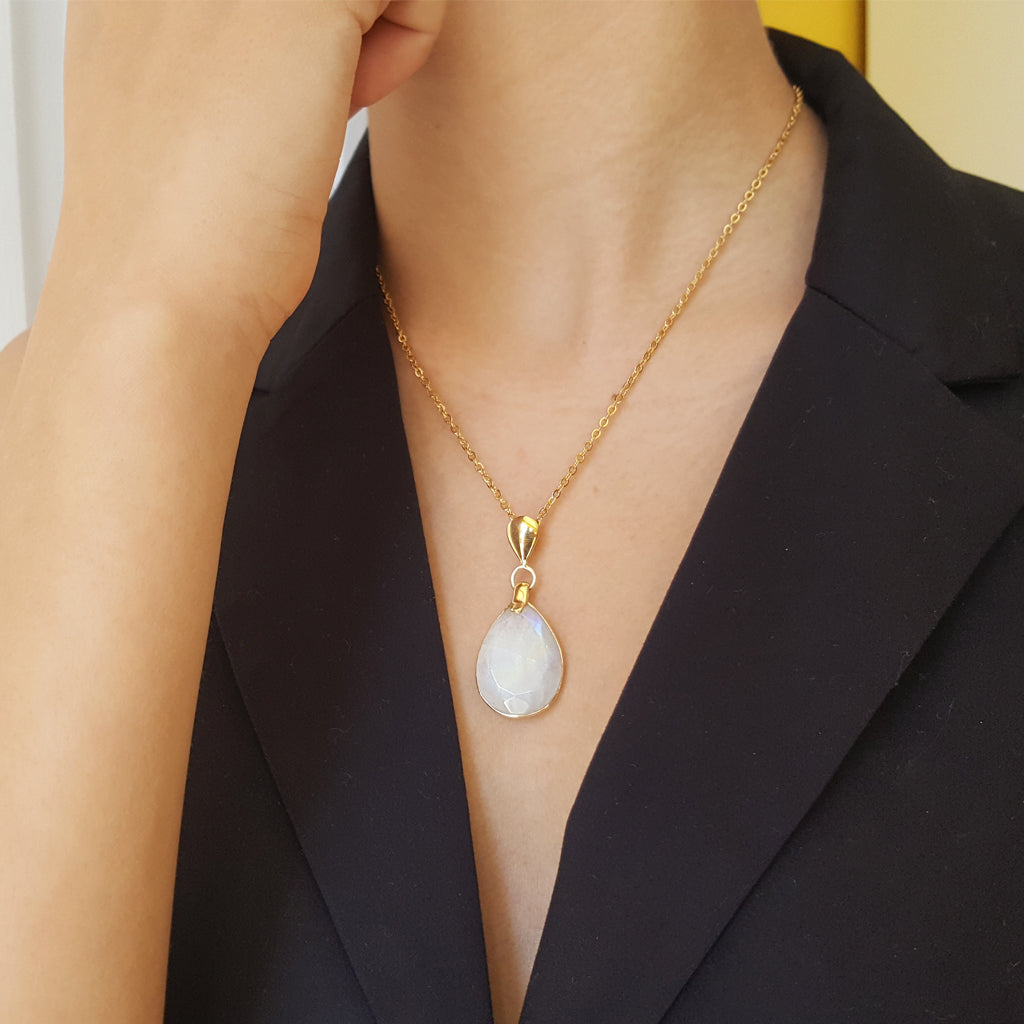 FREDA MOONSTONE GOLD NECKLACE