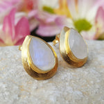 RAIN DROPS MOONSTONE GOLD STUD EARRINGS