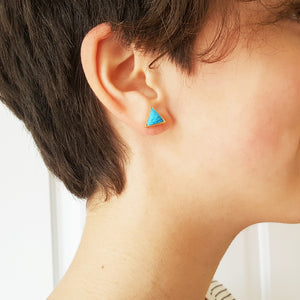 ARROW TURQUOISE GOLD STUD EARRINGS