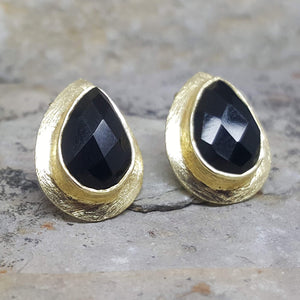 RAIN DROPS BLACK ONYX GOLD STUD EARRINGS