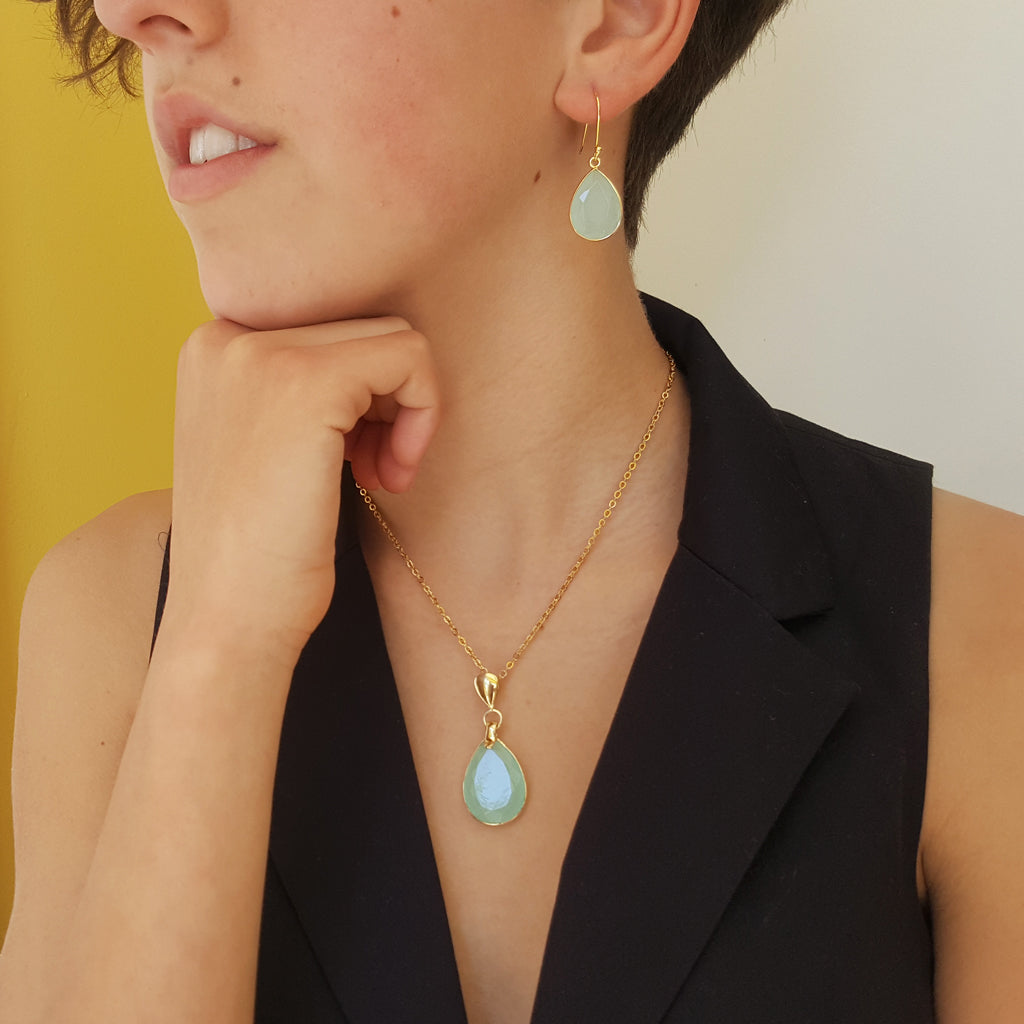 FREDA AQUA GOLD NECKLACE PLUS GOTA DE ORO AQUA GOLD HOOK EARRINGS