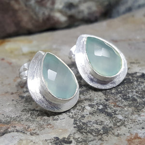 RAIN DROPS AQUA SILVER STUD EARRINGS