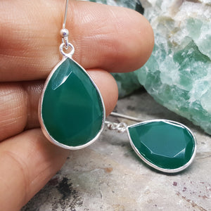 GOTA DE ORO GREEN ONYX SILVER HOOK EARRINGS