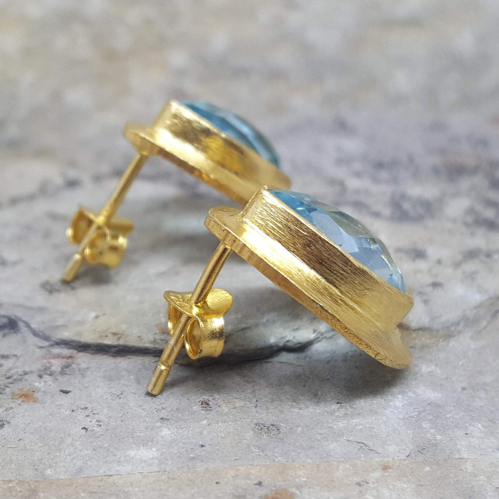 RAIN DROPS BLUE TOPAZ GOLD STUD EARRINGS