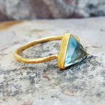 ARROW BLUE TOPAZ GOLD RING